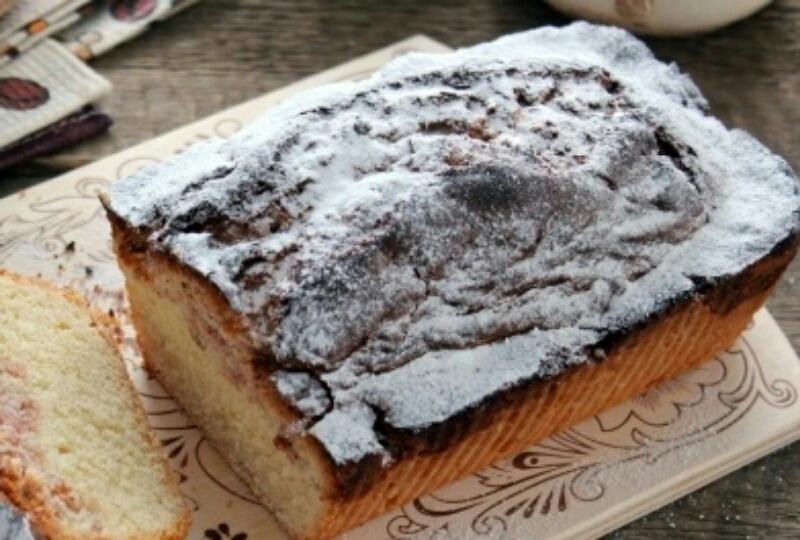 Вкуснейший кекс с клубничным вареньем: от него невозможно оторваться