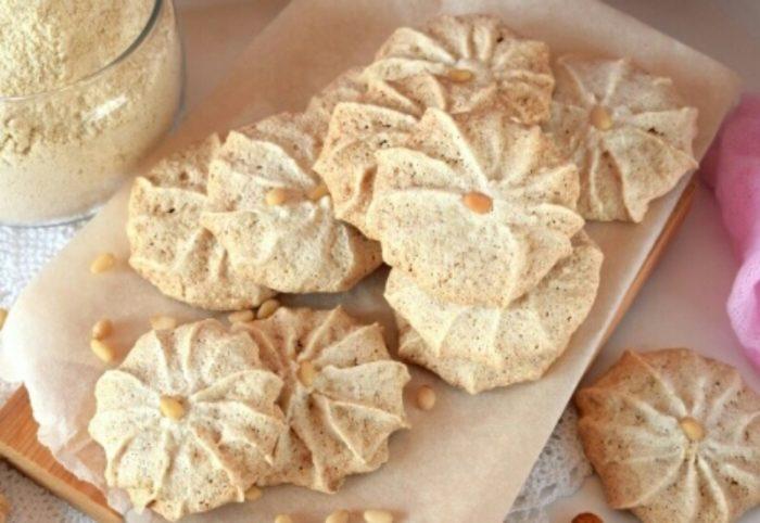 Хрустящее и легкое белково-ореховое печенье