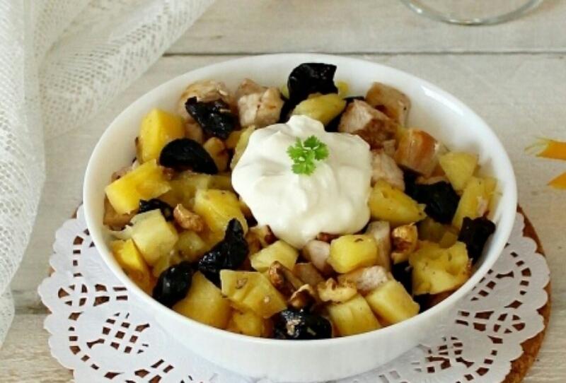 Очень вкусный и интересный праздничный салатик: с легкостью удивите своих гостей