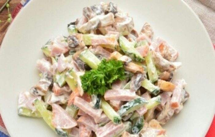 Отличный салат на каждый день: просто, быстро и очень аппетитно