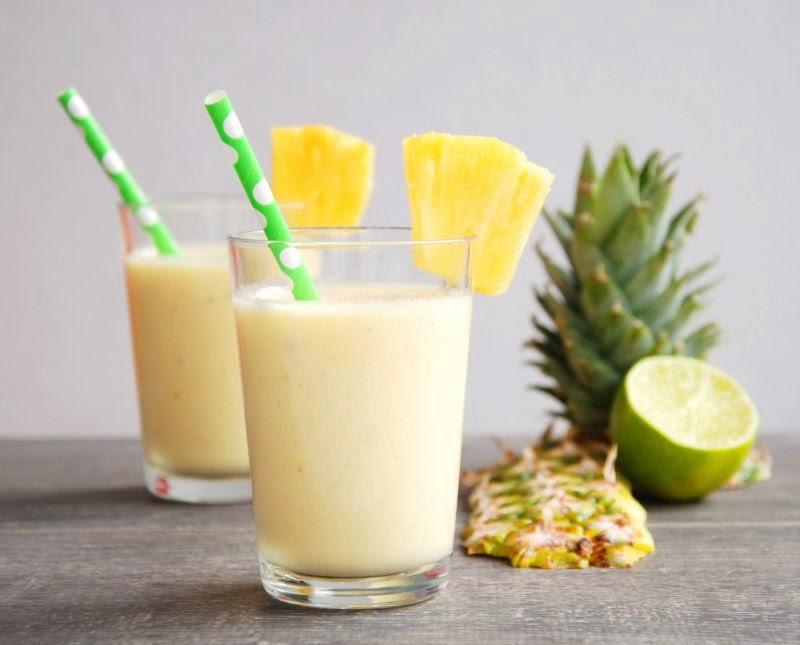 Диетический коктейль с овсянкой и ананасом