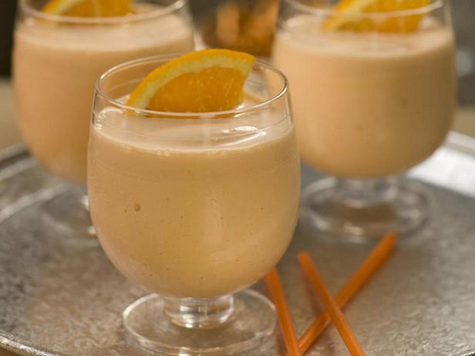 Жиросжигающий кефирно-апельсиновый коктейль с имбирем