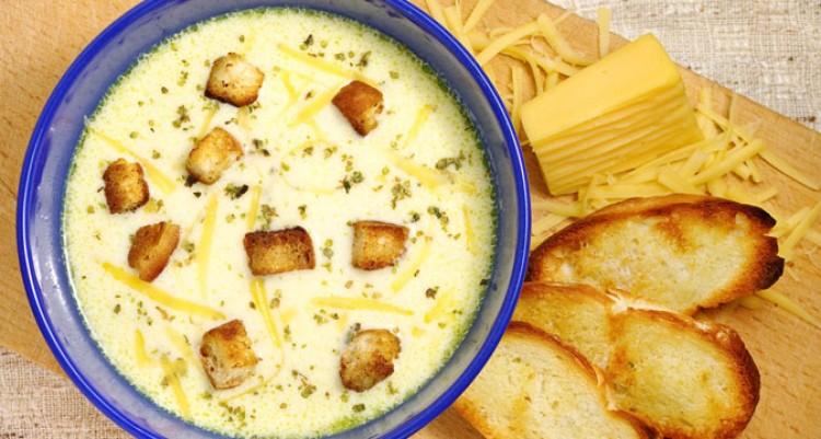 Бесподобный сырный суп с вермишелью и гренками