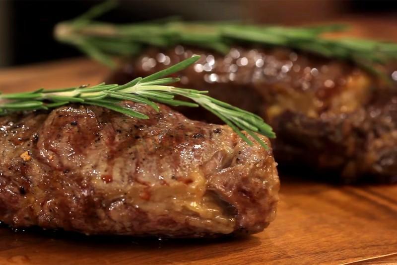 Готовим в мультиварке: вкуснейший стейк из говядины