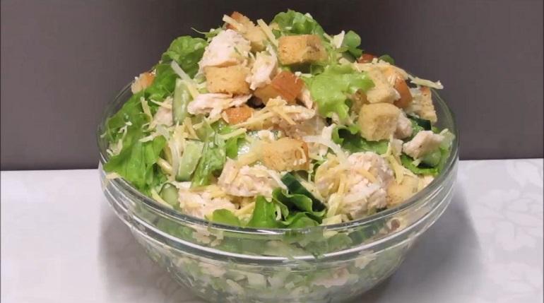 Простой салат «Хрустик»: хрустим не по-детски