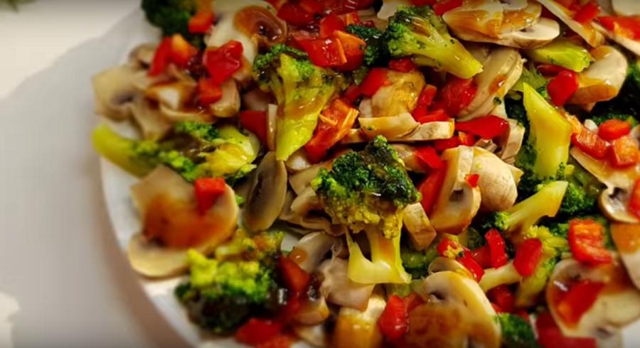 Яркий и вкусный салатик на любой вкус