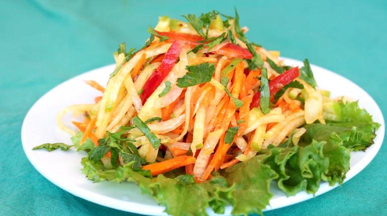 Быстрый салат с редькой: в восторге даже те, кто редьку не любит