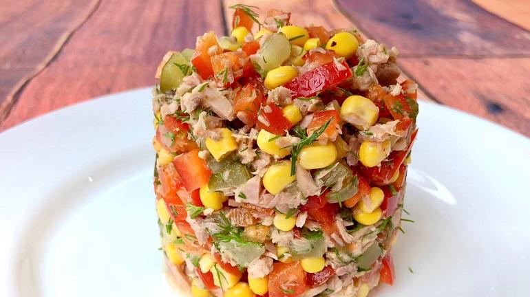 Яркий и вкусный салат с тунцом «Ужин рыбака»