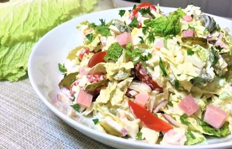 Салат на ужин с пекинской капустой: сытный и очень вкусный