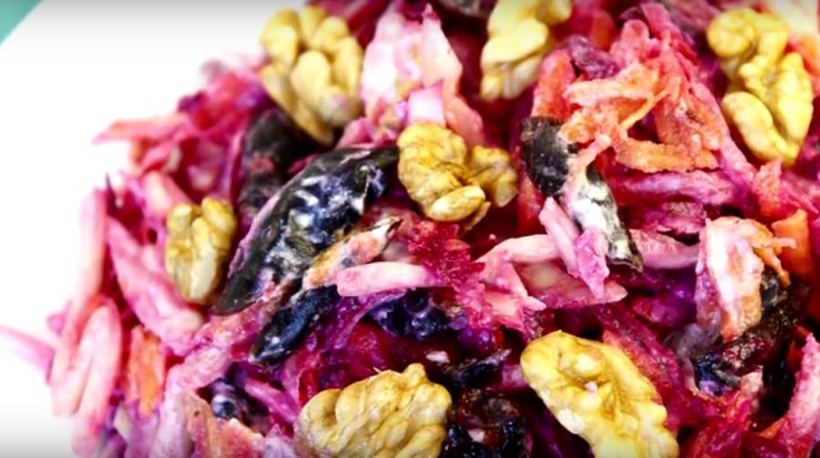 Салат объедение из свеклы: со стола улетает мгновенно