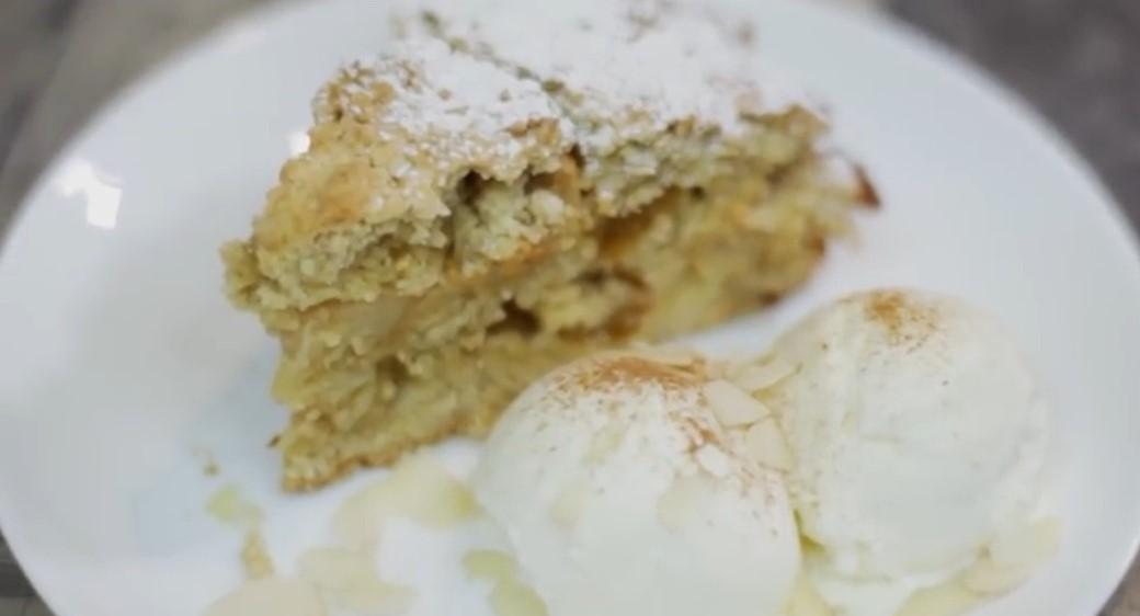 Потрясающий пирог из овсянки с яблоками
