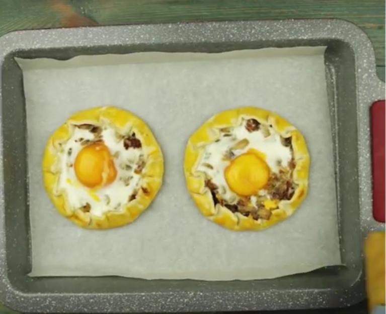 Галеты с грибами: оригинальный завтрак