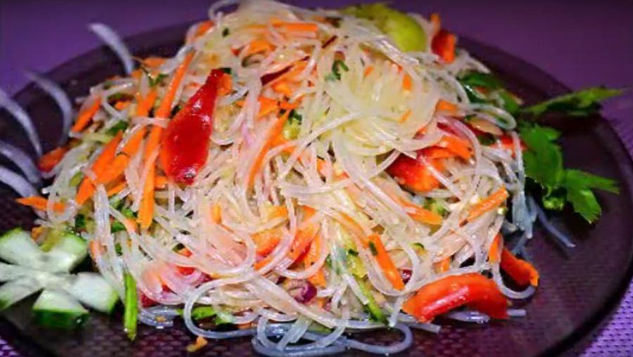 Фунчоза по-корейски с овощами: вкусный салат на каждый день