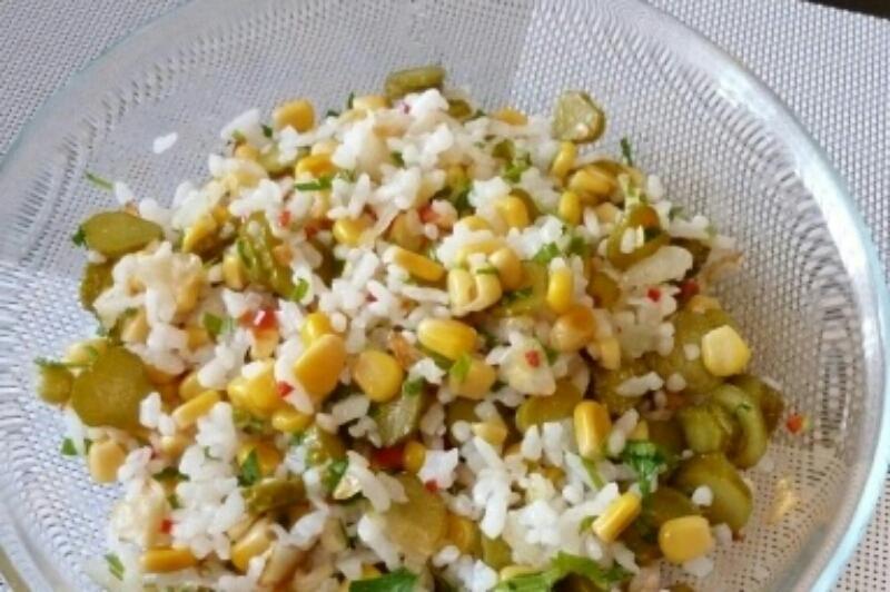 Аппетитный постный салат с рисом