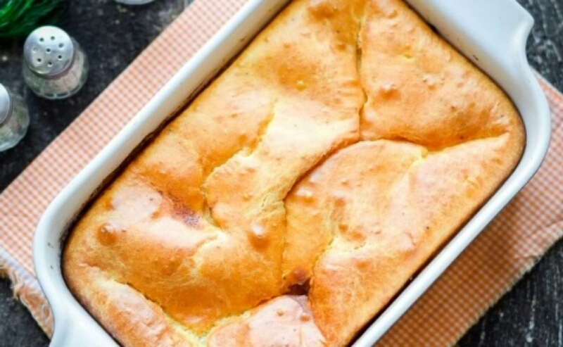 Аппетитный заливной пирог с мясом из жидкого теста