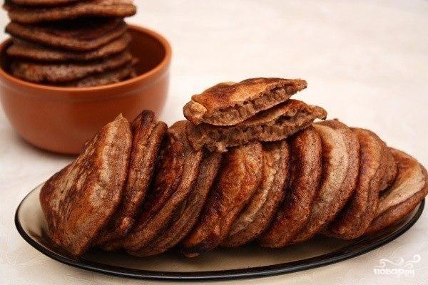Пышные шоколадные оладьи