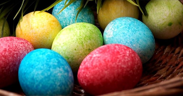 Красивые и необычные яйца на Пасху: за пару минут