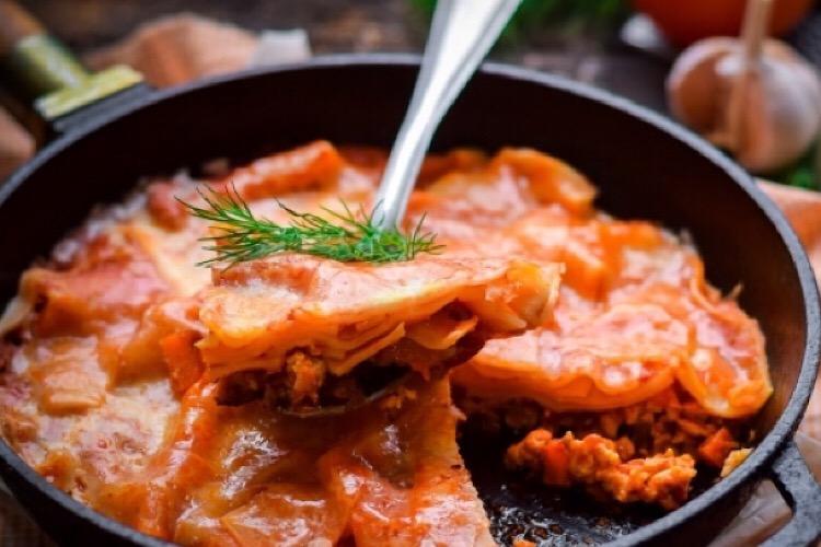Очень вкусная лазанья на сковороде