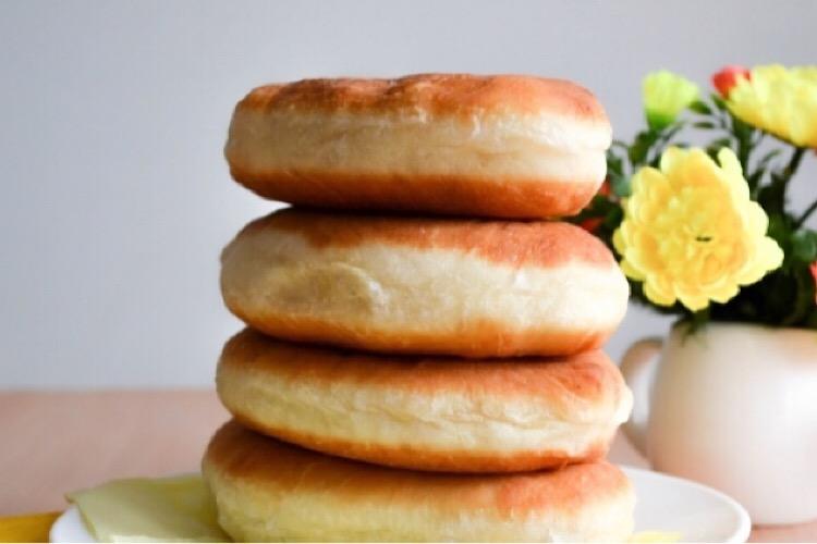 Пышные жареные пирожки из теста на кефире и соде