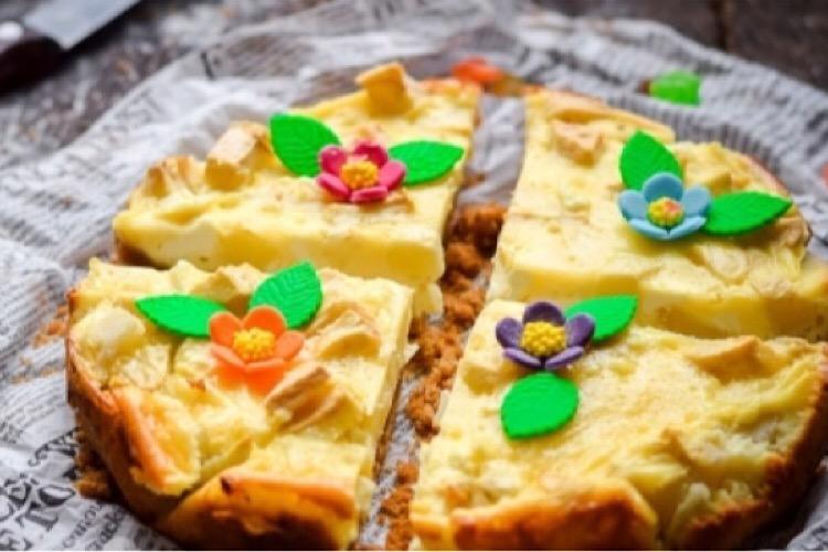 Вкусный пирог с творогом и яблоками