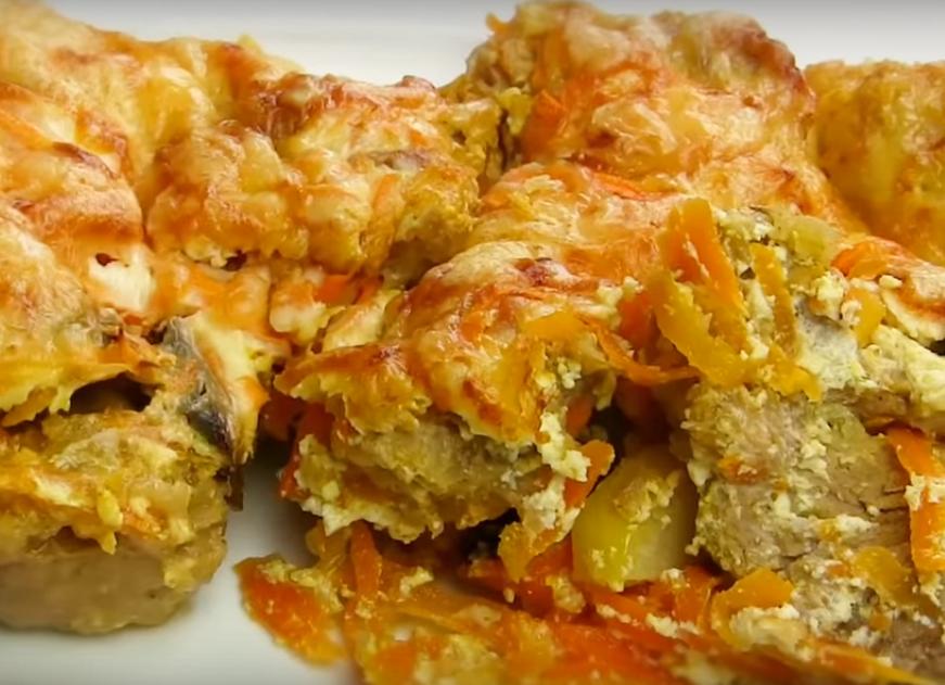 Мясо под морковной шубой: сочное и очень нежное