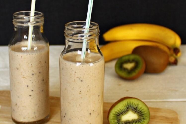 Вкуснейший смузи из 3 ингредиентов для легкого и полезного завтрака