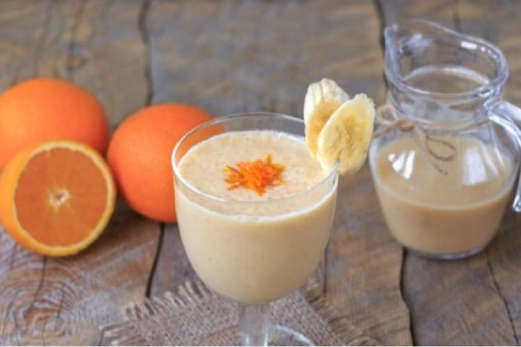 Вкуснейший смузи с бананом и апельсином