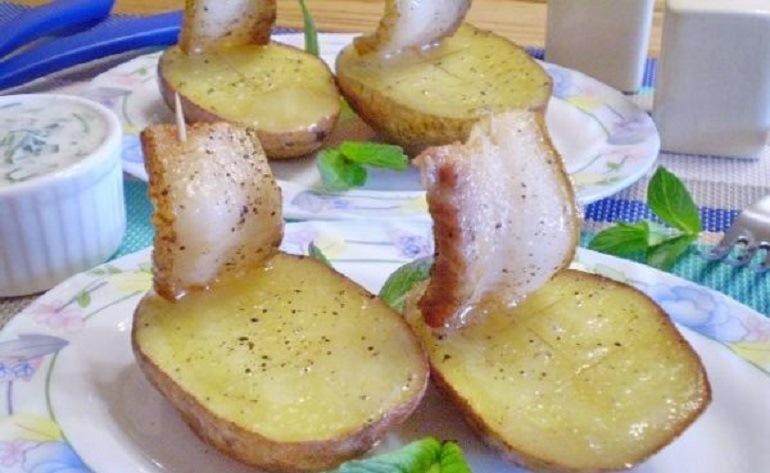 Картофель, запеченный с салом: вкусно, быстро и просто