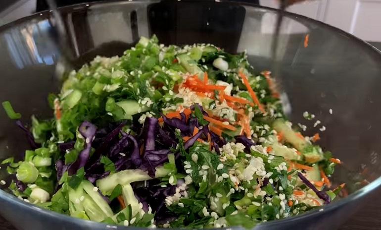 Очень простой овощной салат: но такой вкусный
