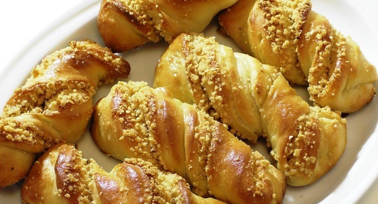 Очень вкусные булочки с орехами