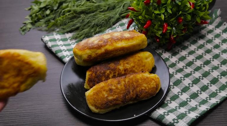 Сосиски в картофельном тесте: закуска на скорую руку
