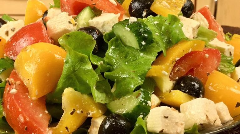 Витаминный весенний салатик: просто, быстро и очень полезно