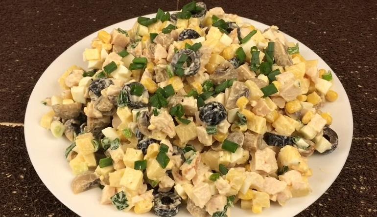Яркий салат «Весеннее лукошко»: просто, быстро и вкусно