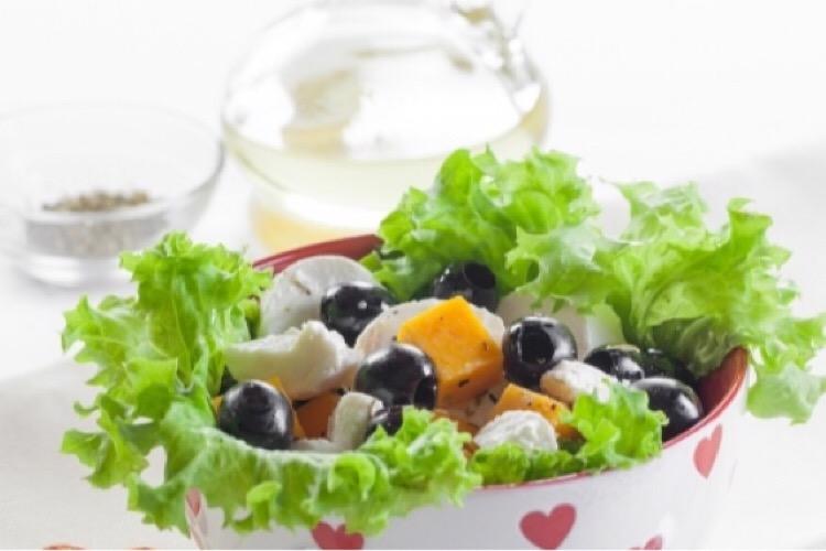 Очень вкусный салатик из тыквы и сыра: просто объедение