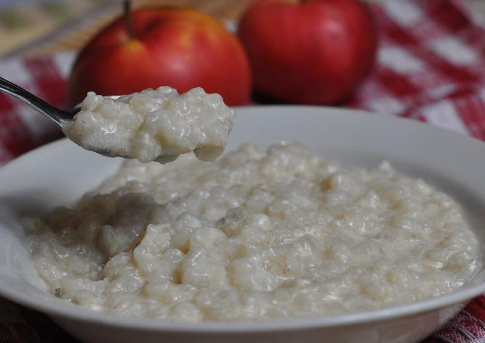 Вкусный завтрак: молочный суп с перловкой