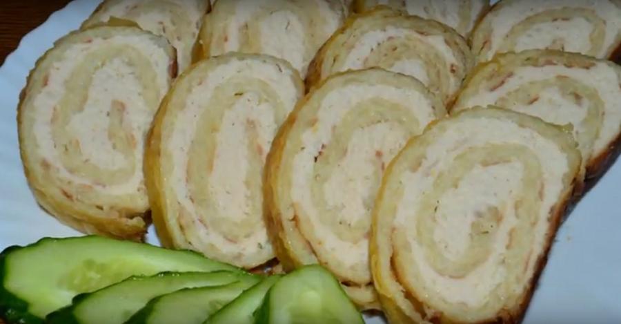 Чудо блюдо - рулет из драников с курицей