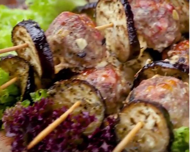 Сочный люля-кебаб с баклажанами