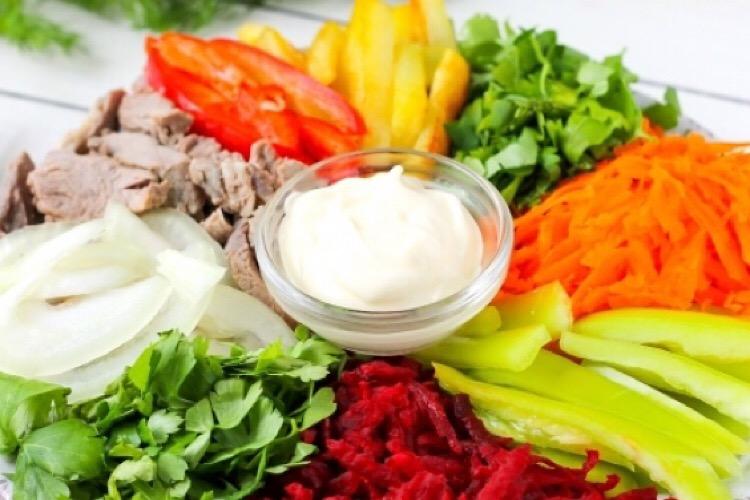 Красочный и мега вкусный татарский салат