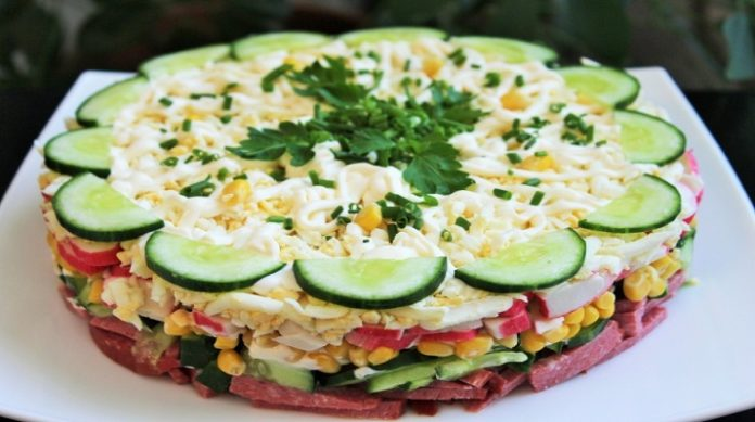Обалденно вкусный слоеный салат «Новинка»