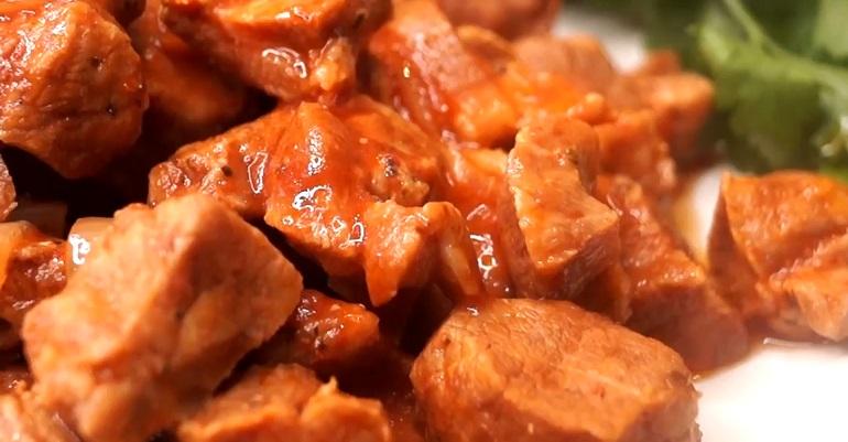 Быстрое ленивое мясо в томатном соке: сочное, нежное и вкусное