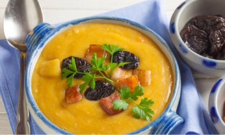 Вкусный картофельный суп с черносливом