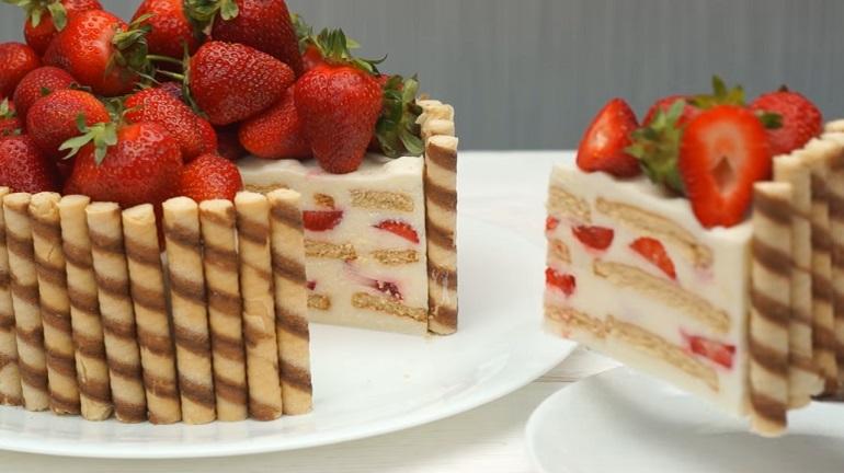 Красивый торт без выпечки «Клубничное чудо»: самый вкусный десерт