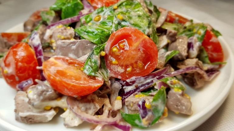 Необыкновенно вкусный салат: простой и быстрый рецепт