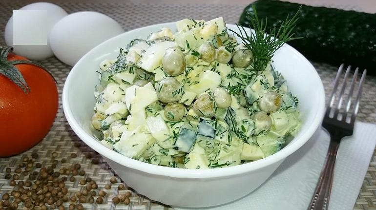 Простой весенний салат на раз-два: никогда не надоест