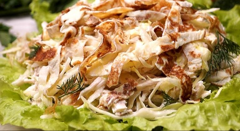 Салат из свежей капусты с куриным филе: стопроцентный успех