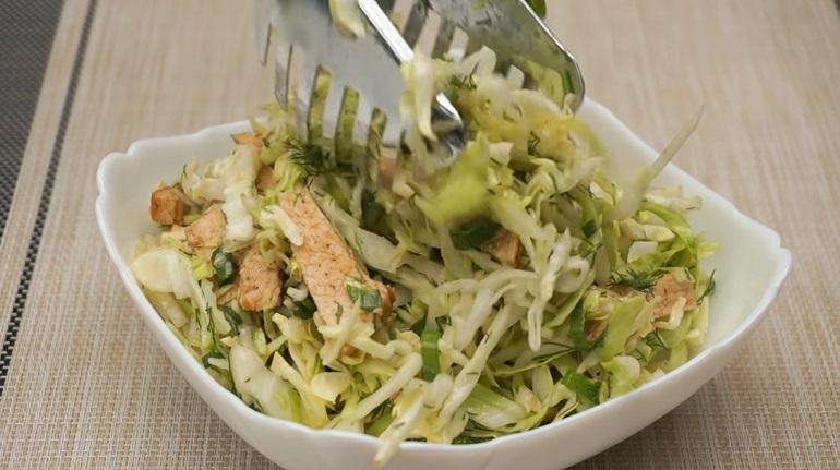Салат «Короли и капуста»: бесподобный рецепт из мяса и капусты