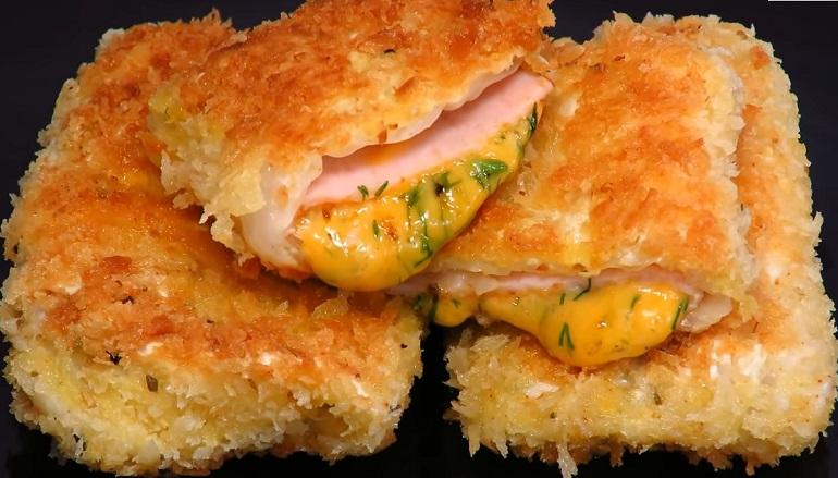 Хрустящие конвертики из капусты с сыром и ветчиной: бомбическая закуска