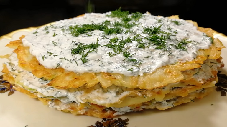 Закусочный торт из кабачков и картофеля: вкуснее не бывает