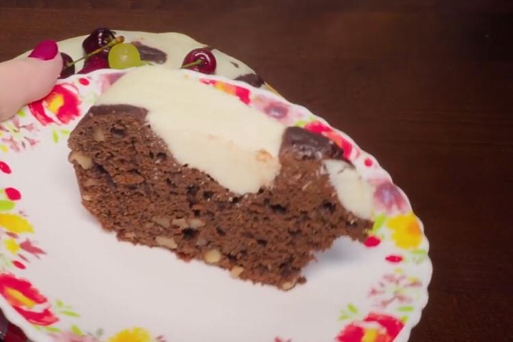 Готовим в мультиварке: обалденный орехово-шоколадный кекс