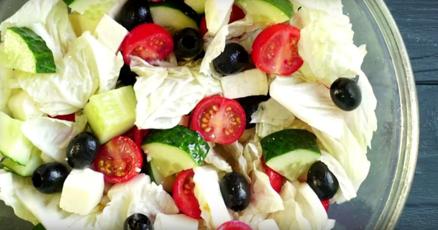 """Салат """"Греческий"""" ☆ Летний, очень быстрый и полезный салатик! ☆ Рецепты ПП"""